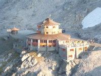 Tibet-Hütte fotografiert von der Dreisprachenspitze